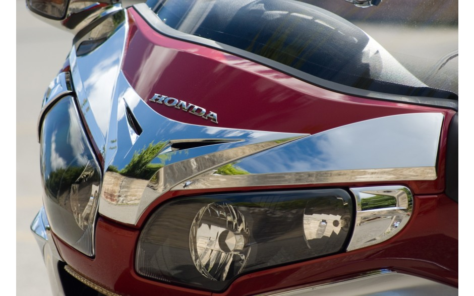 Windshield Mask and Side Panel Accents